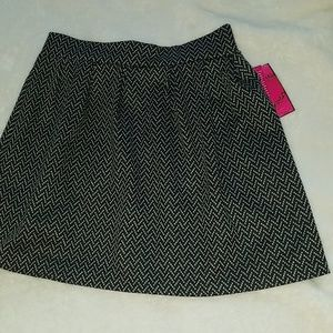 NWT  Candie's polyester/rayon/spandex size 7 skirt